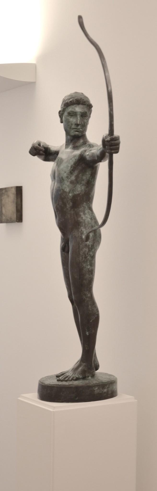 Statue mit Flitzebogen (1)